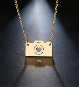 Veron fényképezőgép bizsu nyaklánc