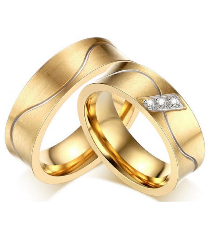Arany színű nemesacél gyűrű, cirkónia kristállyal