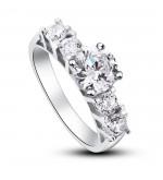 Ezüst gyűrű kristállyal