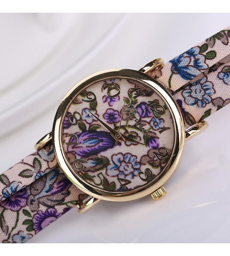 Divatos, nyárias karóra lila, virágos szövet szíjjal - közepes méretű számlappal