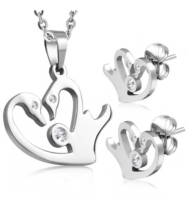 Ezüst színű nemesacél szett, szív alakú medállal és fülbevalóval, cirkónia kristállyal